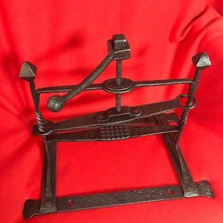 Inquisition Hexenfolter Kreuz Stempel (1) - Eisen (geschmiedet) - 16