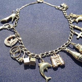 Bracelet à breloques en or jaune 9 carats avec or jaune...