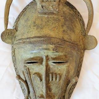 Masque - Bronze africain - Baoulé - Côte d'Ivoire