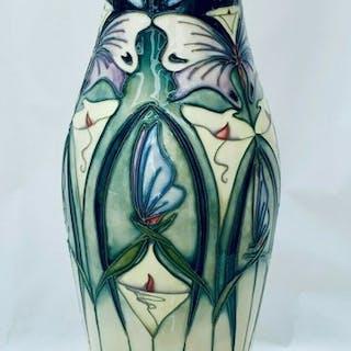 Rachel Bishop - Moorcroft - Vase (1)