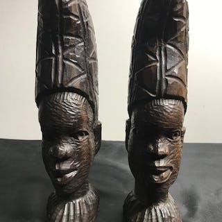 Statuetta(e) (2) - Legno massiccio - Africa