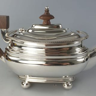 coffee pot (1) - .833 silver, silver - Portugal - mid 20th century