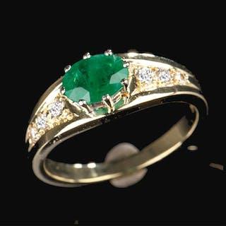 14 kt. Yellow gold - Ring - 0.50 ct Emerald - Diamonds