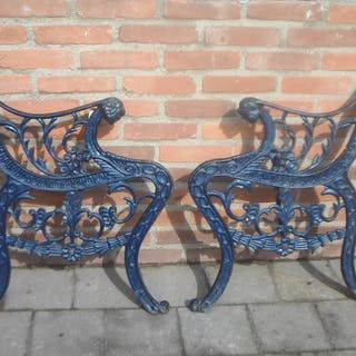 Set Cast Iron Garden Bench Supports with Lion Heads - Iron (cast) - Circa 1900
