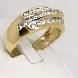 18 kt. Gold - Ring - Diamonds