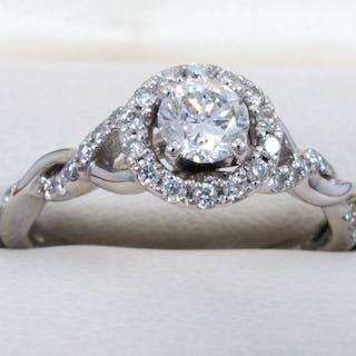 14 quilates Oro - Anillo de halo de diamantes: 0.72ct con...