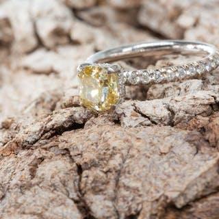 14 kt. White gold - Ring - 2.01 ct Diamond - Fancy...
