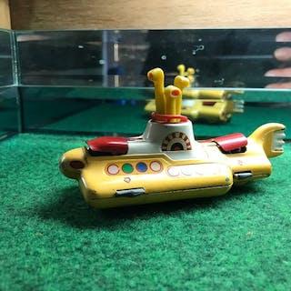 beatles yellow submarine and monkey mobil - Corgi Toys - 1:35 - Fahrzeug