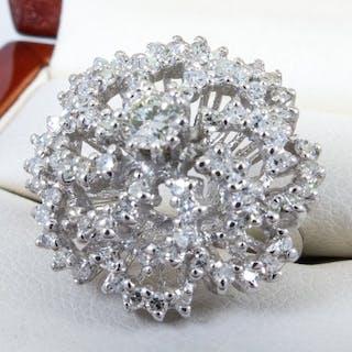 14 kt Gold - 1,07 ct - Luxuriöser Diamantring in Art-Deco-Blütenform