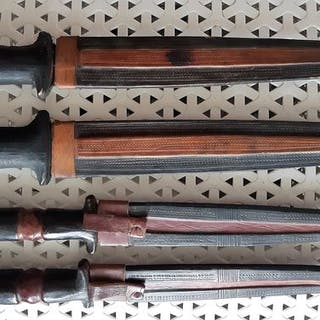 Dolche (4) - Eisen, Holz, Leder - Hausa nomadic tribal daggers - Nupe - Niger