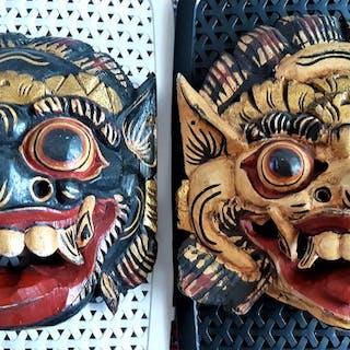 Tanzmaske (2) - Holz, Blattgold, Farbe - Barong - Bali, Indonesien