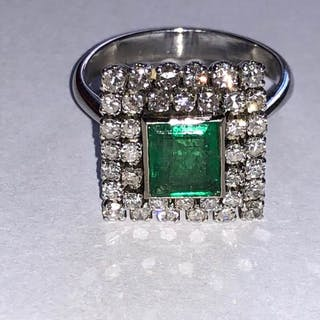 Platinum - Ring Emerald - Diamonds