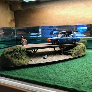 Corgi - 1:43 - Hillman Hunter - Diorama