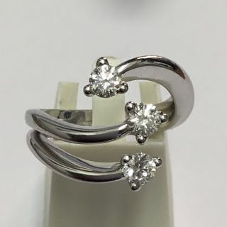 18 kt. White gold - Ring, trilogi - Diamonds, 3 stones c.t 0.60