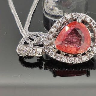 18 kt. White gold - Necklace with pendant - 2.53 ct...