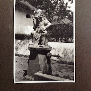 Album with 42 photos of Architecture and Monuments in Bali - 1920