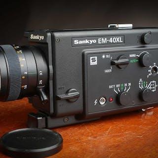 Sankyo Caméra EM-40 XL en superbe état fonctionnelle avec mode d'emploi & étui