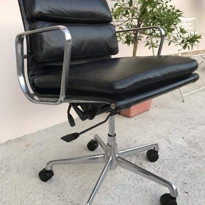Charles Eames - ICF - Poltrona - Soft Pad Chair EA217