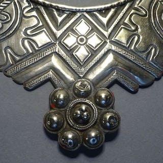 Halskette (1) - Silber +800 - Swat-Tal - Pakistan