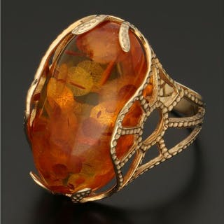 14 kt gold - ring with amber