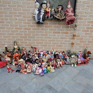 Surnani arts & crafts emporium - Puppe lot 70 vintage handmade poppen - Italien