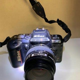 NikonF401 avec Objectif 35 / 70 mm -AF1:3.3一4.5