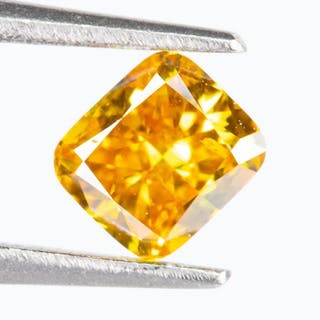 Diamond - 0.22 ct - Natural Fancy VIVID orangy Yellow - SI1*NO RESERVE*