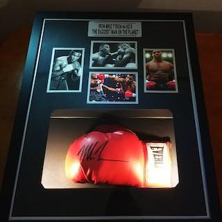 Boxeo - Mike Tyson - Guante de boxeo
