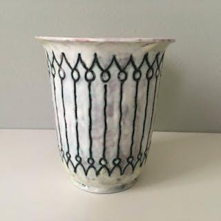 Willem van Norden- Goedewaagen Gouda- Vase - Earthenware