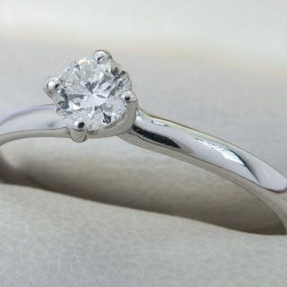 18 kt. White gold - Diamond ring in 18ct white gold