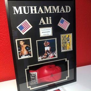 Pugilato - Muhammad Ali - Guantone da boxe