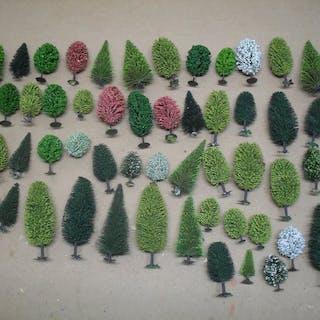 Busch H0 - Landschaft - 60 Bäume und Kiefern