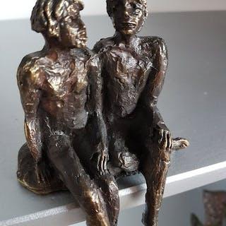 """Astrid Veldhuyzen - Koppen - Atelier in Beeld - Skulptur, """"Das Gespräch"""""""