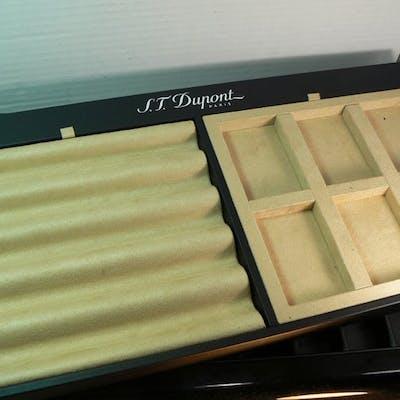 Dupont - Lot deux Présentoirs briquets & accessoires   - Collection