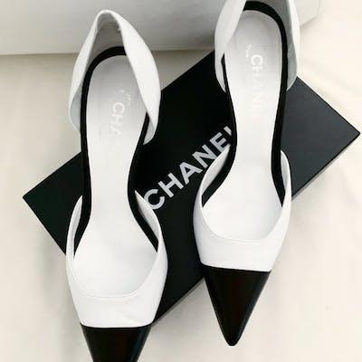 Chanel Scarpe col tacco