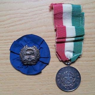Italia - Medaglia al valore civile e distintivo
