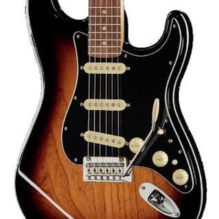 Fender - Stratocaster (Fender Deluxe Strat PF 2CSB)...