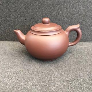 Teekanne, yixing - Keramik - China - Zweite Hälfte des 20. Jahrhunderts