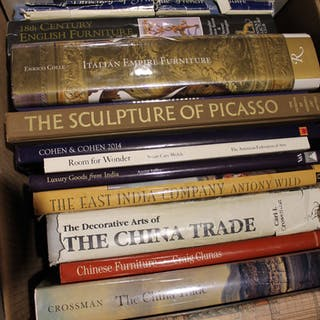 Thirteen Assorted World Antiques Reference Books