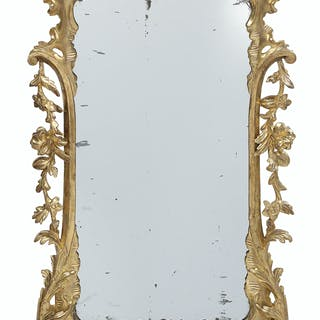 English Chippendale-Style Giltwood Mirror
