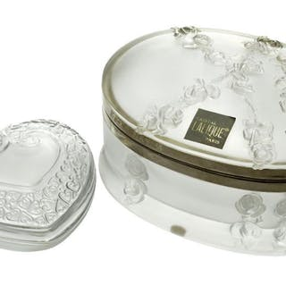 Lalique, a frosted glass oval box Modern, engraved Lalique ® France