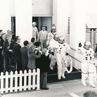 Nasa. Mission Apollo 14. Embarquement des astronautes Alan B. Shepard