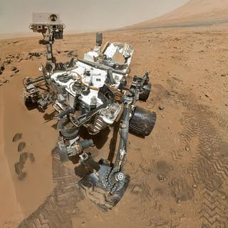 Nasa. GRAND FORMAT. Le robot Curiosity de la NASA réalise régulièrement