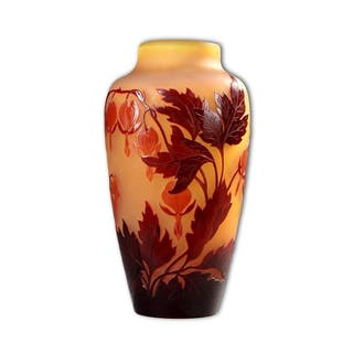 Etablissements Gallé Vase aux Coeurs De Marie Vase en verre multicouche