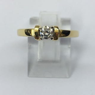 Bague Solitaire Or jaune 18 Kt, diamant 0.20 Cts 3,96 Grams
