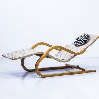"""Model 39"" chaise lounge by Alvar Aalto"