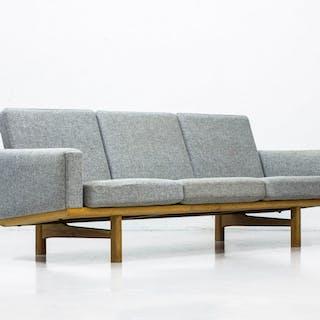 """GE236"" sofa by Hans J. Wegner"