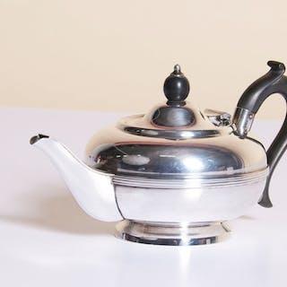 The Punk Sebert - Vintage Small Bachelor Teapot
