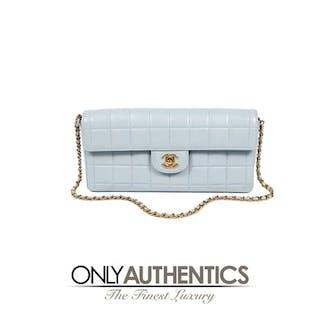 b82e8ac13280 Powder Blue Leather East West Flap bag – Current sales – Barnebys.com