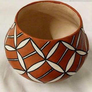Native America, Vintage Acoma Poly Chrome Pottery Jar, by Emma Chino